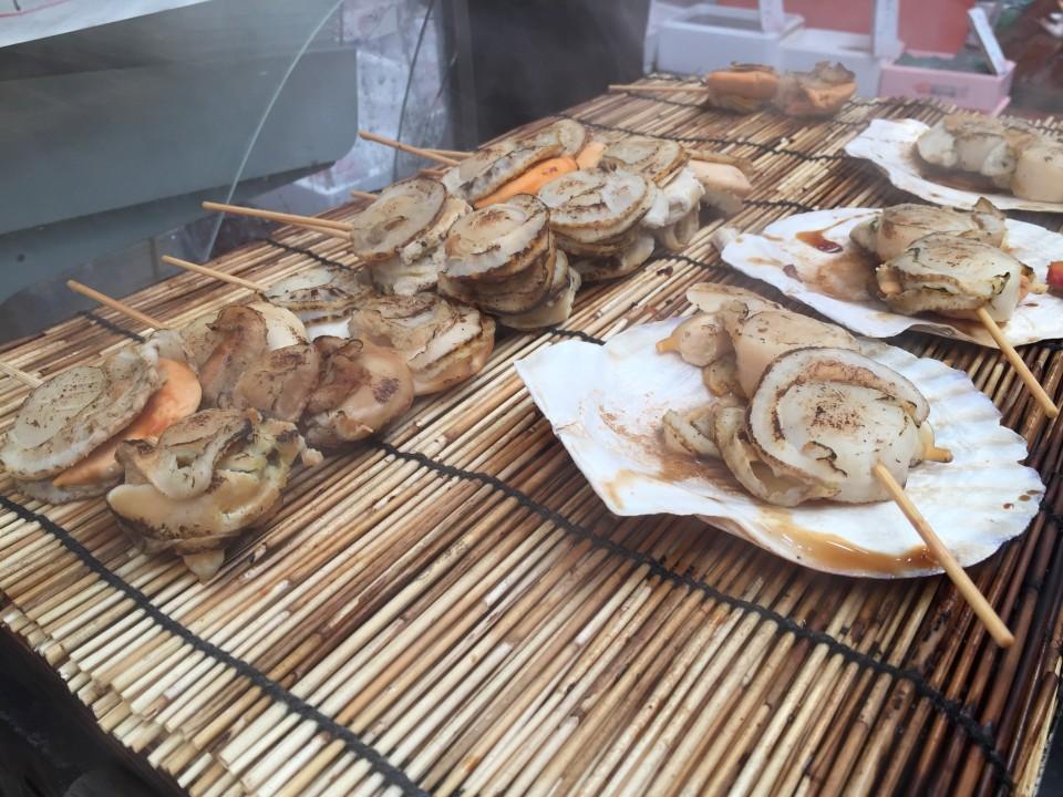 Kuromon Ichiba Market Osaka Top 10 Foods You Must